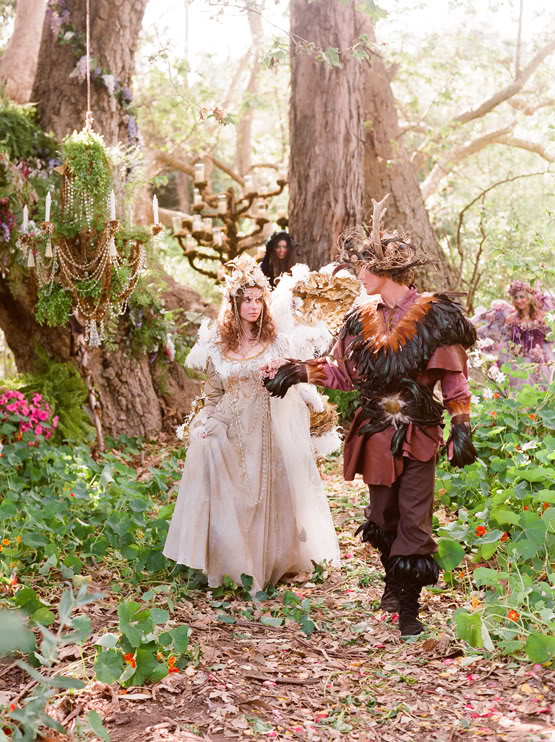a comparison of a midsummer nights dream and romeo and juliet in their themes of love How can i write an essay about love in romeo and juliet vs a midsummer night's dream what are the differences between them what do i need to consider when forming my.